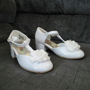 Girls White leather shoes size 12